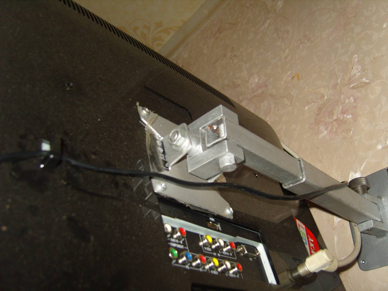 Крепеж для телевизора на стену 84